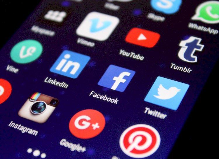 """""""Twitter"""" pažymės vyriausybės pareigūnus ir valstybinės žiniasklaidos paskyras"""