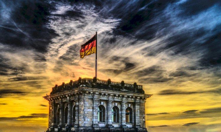 Vokietija nerimauja dėl antros viruso bangos