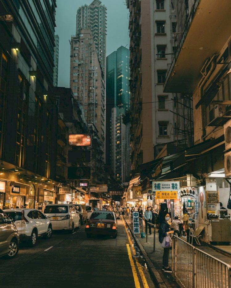 """Nerimaujant dėl """"Covid-19"""" protrūkio, Honkonge įsigalioja nauji apribojimai"""