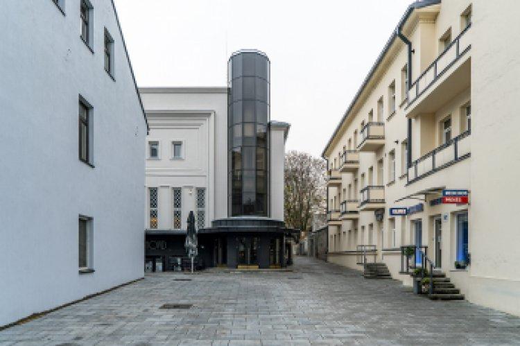 Laisvės alėjoje iškils naujas akcentas: pasiūlyta 11 meninių idėjų pirmajam lietuviškam filmui įamžinti