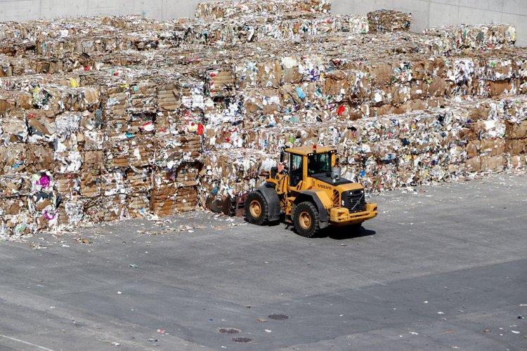 Lietuvos mokslininkai rado būdą, kur panaudoti milžiniškas popieriaus gamybos atliekas