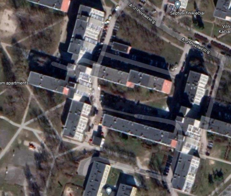 Tragiškas įvykis Vilniuje. Iš daugiabučio aštunto aukšto iškrito ir žuvo nepilnametis