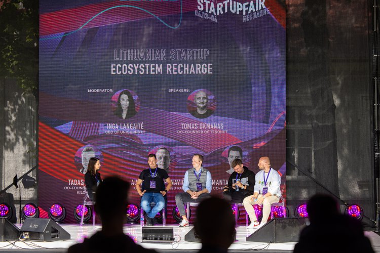 """Startuolis """"Cogastro"""" iškovojo geriausiojo titulą inovatyvių verslų renginyje """"Startup  Fair: Recharge"""""""