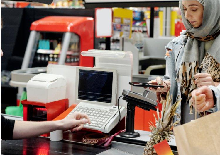 8 gudrybės parduotuvėje, kaip teisingai pasirinkti greičiausią eilę