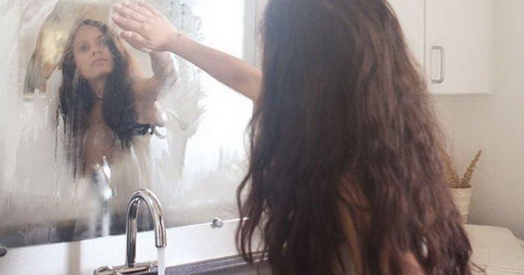 Ką daryti, kad veidrodis vonioje nerasotų?
